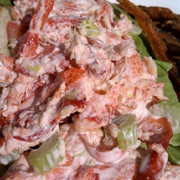 Lobster Roll (Sandwich) - Water's Edge Resort & Spa, Westbrook, CT