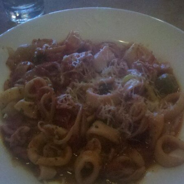 Linguine w Calamari Fra Diavolo - D'Agnese's, Broadview Heights, OH