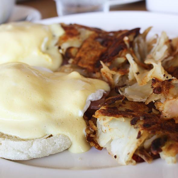 Eggs Benedict - Plate Earthy California Cuisine, Malibu, CA