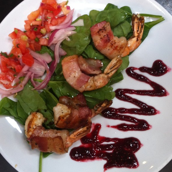 Rasberry Bacon Wrapped Shrimp Salad - Twisted Fork - Old Market, Omaha, NE