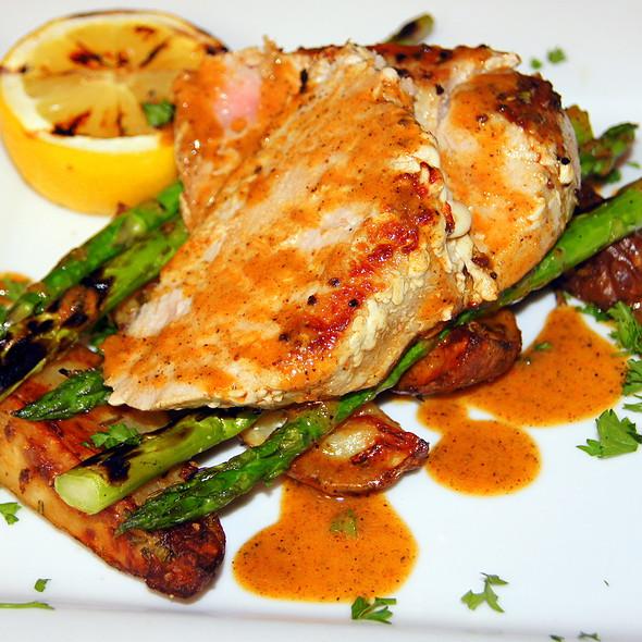 Pan-Seared Tuna - Pazzo's Cucina Italiana - 23 E Jackson Blvd, Chicago, IL