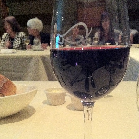 Pinot Noir - Mac's Steakhouse, Huntington, NY
