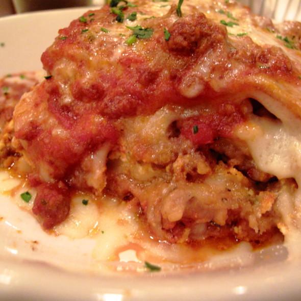 Mama's Lasagna - Maggiano's - Philadelphia, Philadelphia, PA
