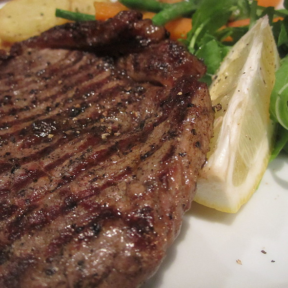 Rump steak with veggies - Q Verde, London