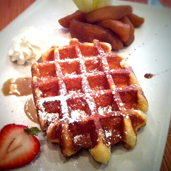 Luikse wafel - Belga Cafe, Washington, DC