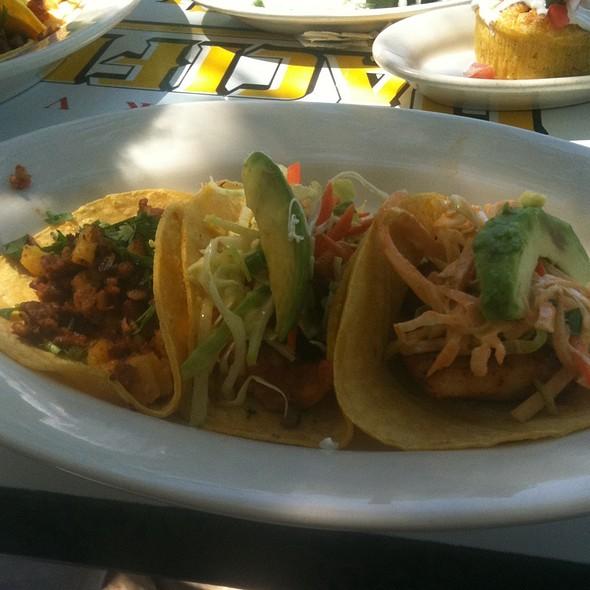 A La Carte Taco Trio - El Alma Cafe y Cantina, Austin, TX