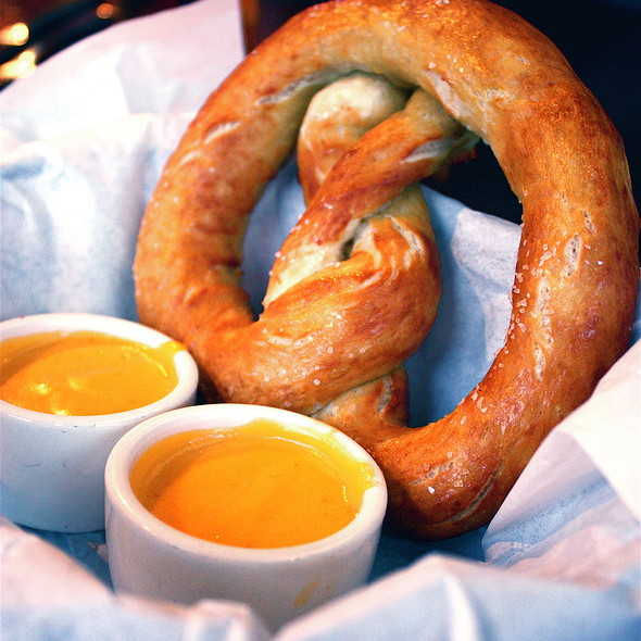 Pretzel & Cheese Dip - Cannery Row Brewing Company, Monterey, CA