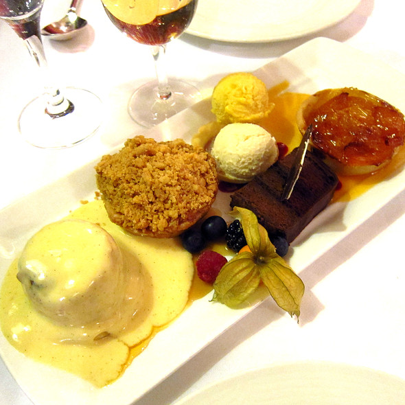 Simpson's English Pudding Sampler - Simpson's In The Strand, London