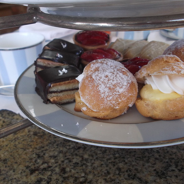 Afternoon Tea Sweets - The Veranda at the Kahala Resort, Honolulu, HI