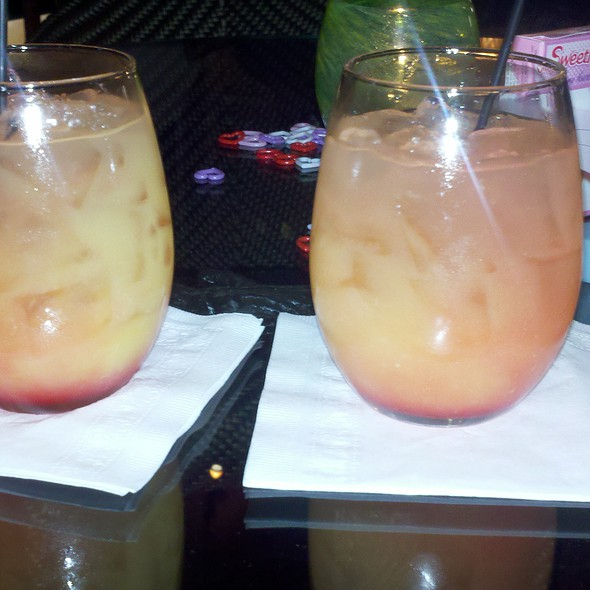 """""""Summer in Bombay"""" Alcohol Cocktail Drink - The Grove, Houston, TX"""
