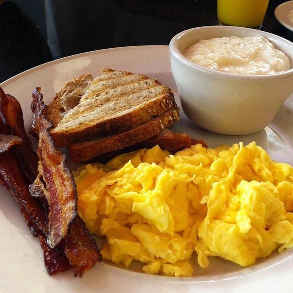 Breakfast - Corner Cafe - PRIORITY SEATING, Atlanta, GA