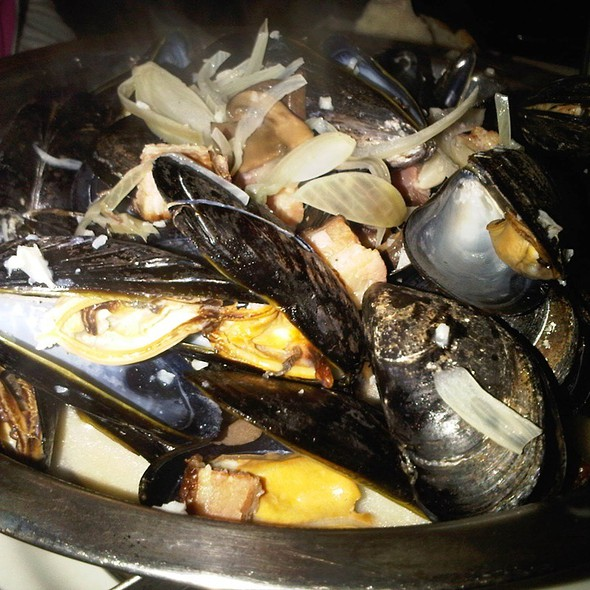 Moules Frites - Red Stripe, Providence, RI
