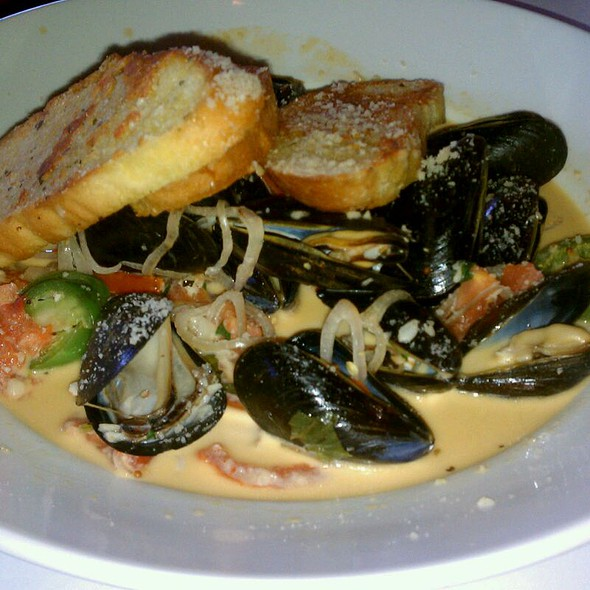 Mussels in White Wine Sauce - J. Liu Restaurant & Bar of Dublin, Dublin, OH