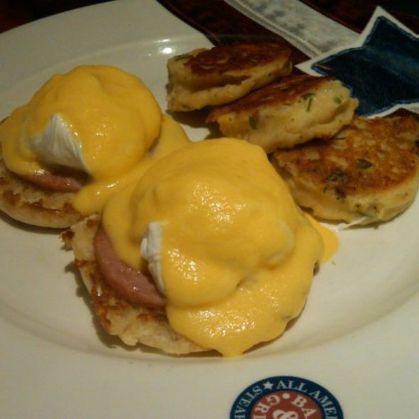 Eggs Benedict - All American Bar & Grille - Rio All-Suite Hotel & Casino, Las Vegas, NV