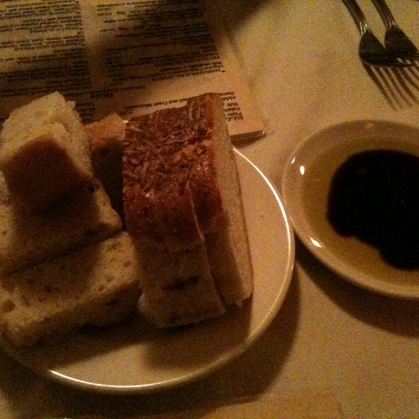 Italian Bread w/oil & vinegar - Botticelli Ristorante, Rapid City, SD