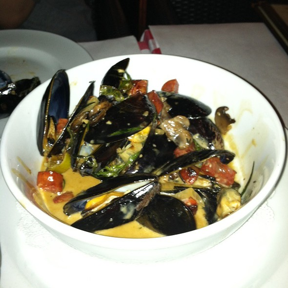 Les Moule Frites  - MEET in Paris, Culver City, CA