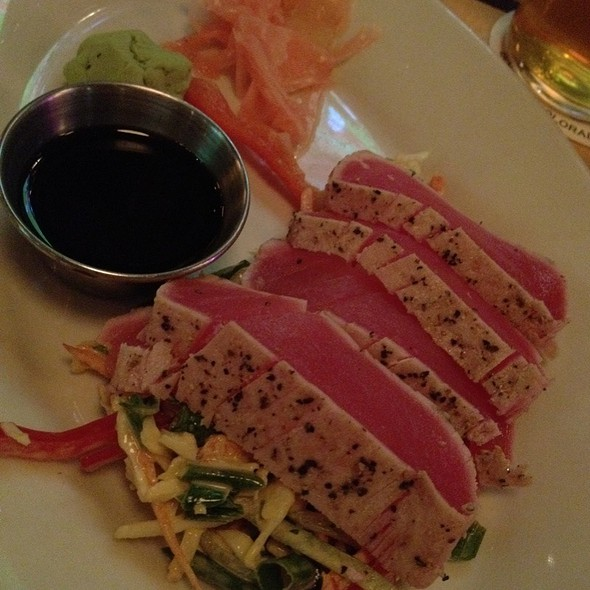 Seared Ahi Tuna - Walnut Brewery, Boulder, CO