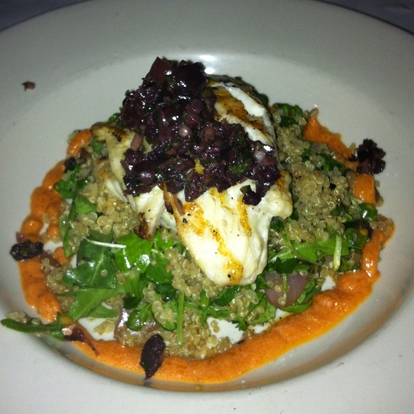 Trigger Fish, Red Onion, Avocado, Arugula, Roasted Red Pepper, Quinoa, Black Olive Tapenade - Little Savannah, Birmingham, AL